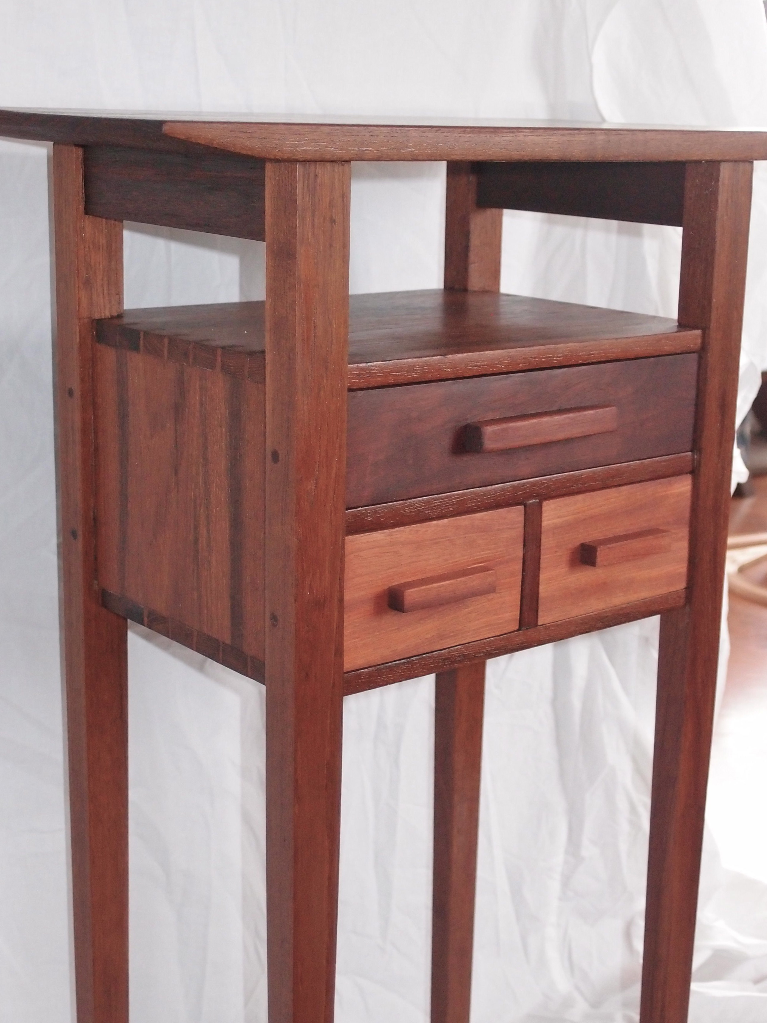 Spectacular I was thrilled to receive a letter from a reader in Burma this past week who made a version of my side table u Skinny legs and all u