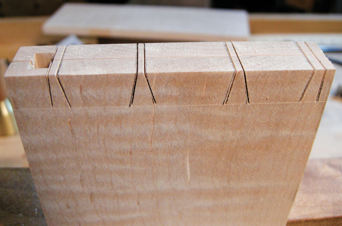 how to cut dovetails with a router