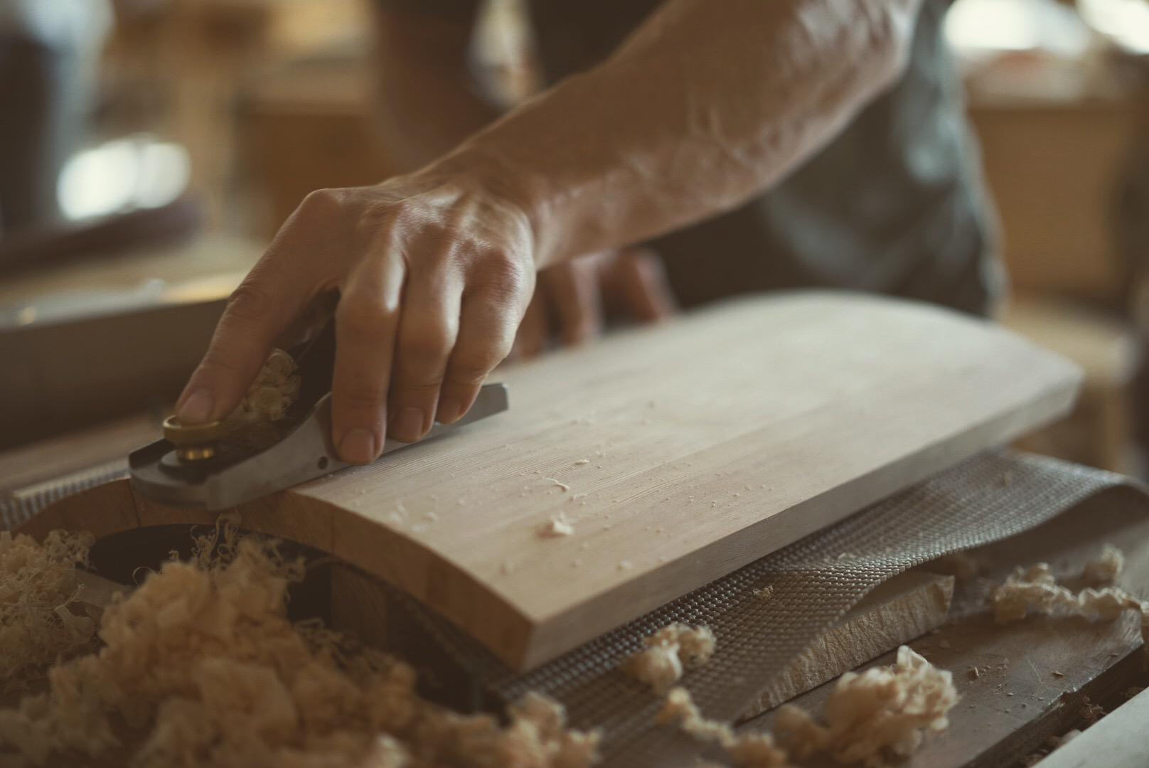 Shaping a coopered door